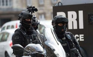 (Photo d'illustration) Des policiers de la BRI, le 1er septembre 2017 à Paris.
