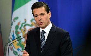 """Le président mexicain Enrique Peña Nieto, ici à Berlin le 12 avril 2016, souhaite permettre """"l'usage de médicaments élaborés à base de marijuana et/ou de ses principes actifs"""""""