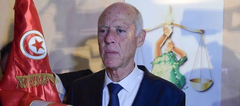L'universitaire Kais Saied, un novice du pouvoir, a été élu président de la Tunisie avec 72,71% des voix lors du second tour de la présidentielle dimanche.