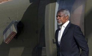 """Le régime syrien, qui réprime dans le sang la contestation depuis plus d'un an, a annoncé la fin de ses opérations militaires jeudi matin, jour de l'ultimatum fixé par le plan Annan pour un cessez-le-feu, tout en prévenant que ses forces répondraient à toute attaque """"terroriste"""""""