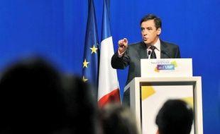 Le chef du gouvernement prévoit un déficit de l'Etat de 115 milliards d'euros en 2010.