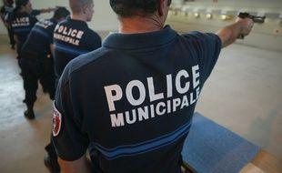 Illustration police municipale. Entrainement au tir des policiers municipaux