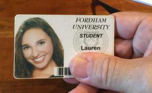 La carte d'étudiante d'une Américaine retrouvée dans un parc de New-York par Tom Hanks le 6 octobre 2015