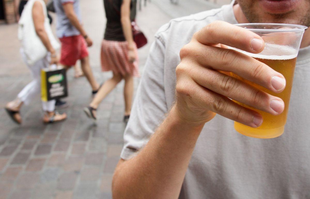 Illustration consommation d'alcool sur la voie publique à Toulouse – FRED  SCHEIBER / 20 MINUTES