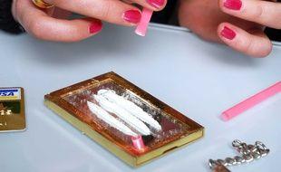 Une consommatrice de cocaïne.