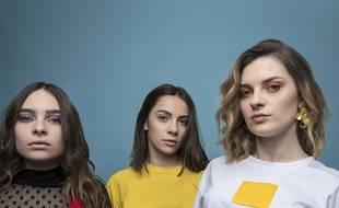 Léana, Jade et Lynn, les trois soeurs toulousaines du groupe Aöme, sortent leur premier titre.