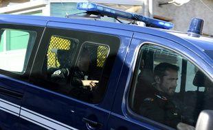 Nordahl Lelandais dans une voiture de gendarmerie en mars 2018