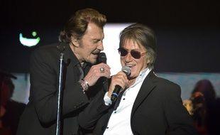 Johnny et Hallyday et Jacuqes Dutronc pendant le concert des «vieilles canailles»
