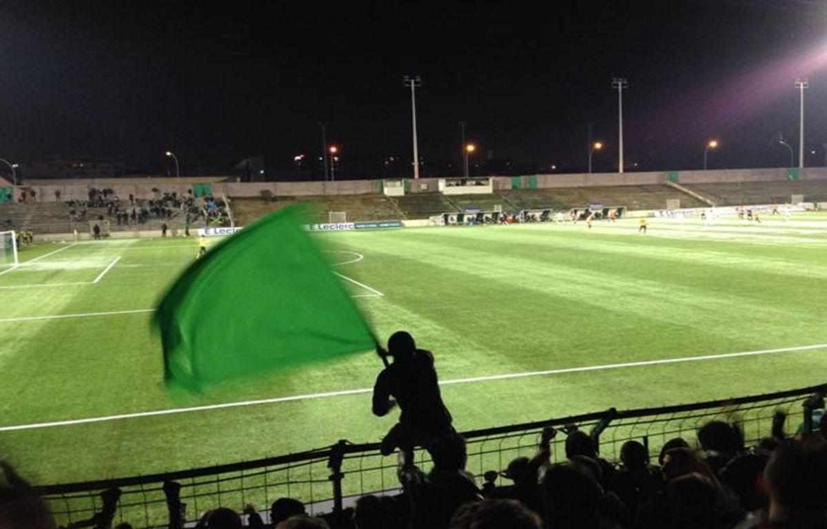 Et si vendredi soir, vous poussiez jusqu'au stade Bauer à Saint-Ouen. Le Red Star y reçoit Avranches et pourrait s'approcher un peu plus encore de la Ligue 2. Et le club assure aussi le spectacle dans les tribunes. – Photo Camille Bessard
