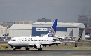 Une employée de sécurité nationale a oublié son gun dans les toilettes d'un avion