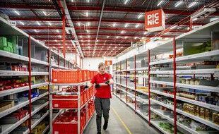 La startup néerlandaise Picnic livre des courses à domicile à l'aide de petites camionnettes électriques.