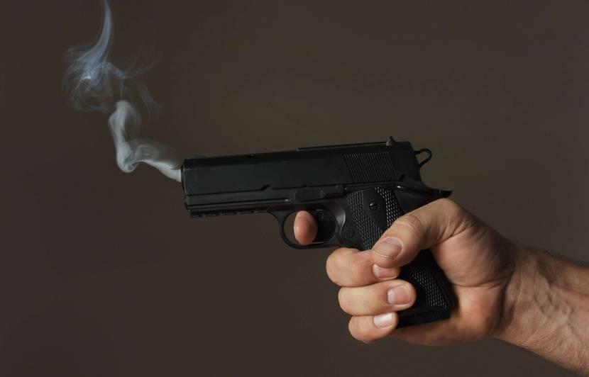 Cannes: Il oublie son arme au restaurant