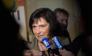 """La ministre Marie-Arlette Carlotti, candidate à la primaire socialiste en vue des municipales à Marseille, a dénoncé dimanche soir le clientélisme selon elle à l'oeuvre au cours de ce scrutin, évoquant une organisation """"paramilitaire""""."""
