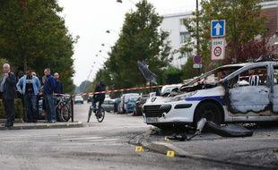 Une voiture de patrouille de la police avait été attaquée à coup de cocktails molotov le 8 octobre dernier à La Grande Borne.