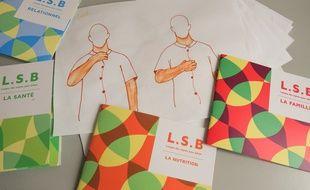 Les livrets de langue des signes pour bébé de Noam Sabbah.