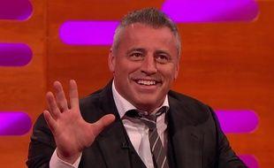 Matt LeBlanc rejoue Joey, de la série Friends.