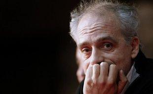 """Philippe Poutou (NPA) s'est réjoui dimanche de la défaite de Nicolas Sarkozy, selon lui le """"président des riches"""", tout en estimant que la victoire de François Hollande ne faisait qu'annoncer une """"austérité de gauche""""."""