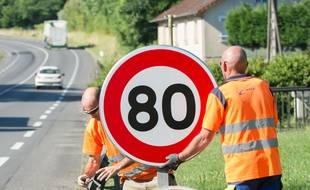 La limitation de vitesse à 80 km/h sur les axes secondaires cristallise toujours les tensions.