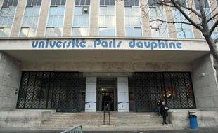 Entrée de l'université Paris Dauphine le 9 décembre 2008