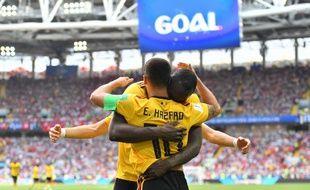 Eden Hazard félicité par Romelu Lukaku contre la Tunisie.