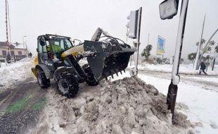Météo France a levé mercredi matin à 06h00 la vigilance orange neige et verglas pour les 21 départements encore concernés, mais les transports restent perturbés avec des difficultés sur les routes dans le nord et en Normandie et sur le réseau Transilien en Ile-de-France.