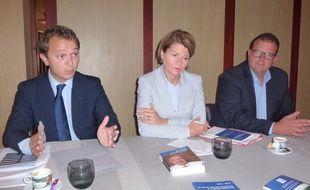 Maël de Calan, Isabelle Le Callennec et Bertrand Plouvier, la garde rapprochée de Marc Le Fur.