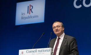 Hervé Mariton, candidat à la primaire à droite, lors du Conseil national Les Républicains le 2 juillet salle de la Mutualité à Paris.