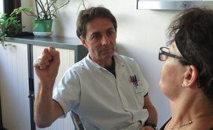 L'EMDR, technique qui consiste à créer des mouvements oculaires rapides pour soigner des traumatismes, est de plus en plus utilisée à Lyon.
