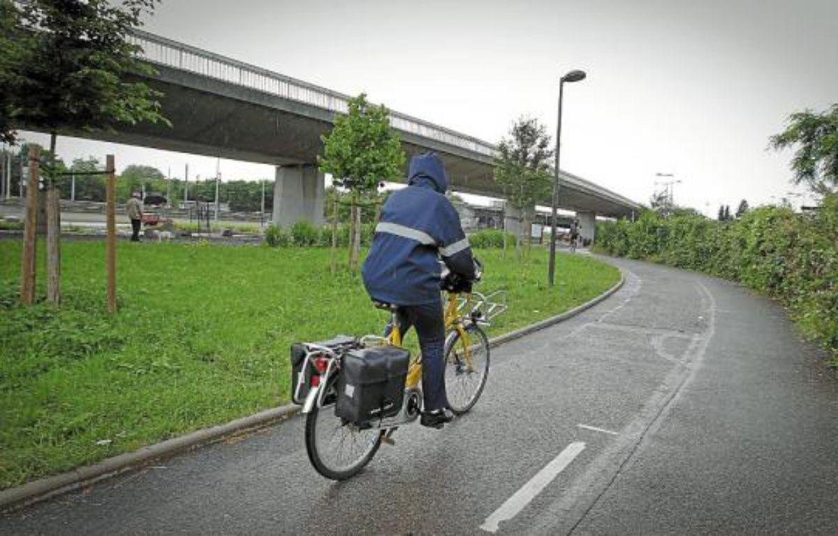 L'éclairage de la piste cyclable Roger-Lapébie est géré à l'aide de capteurs. –  G. Varela / 20 Minutes