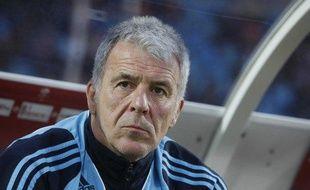 L'ancien entraîneur de l'Olympique de Marseille, Erik Gerets, sur son banc à Lille lors de Lille - Marseille, le 26 avril 2009.