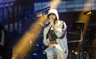 Eminem sort un nouvel album surprise.