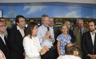Sébastien Lecornu (à droite), avec Bruno Le Maire (au centre), le 16 juin 2014 à Vernon.