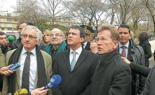 Manuel Valls a achevé sa matinée rennaise en visitant le quartier du Blosne.