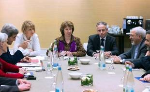 Téhéran a rejeté mardi les accusations du secrétaire d'Etat américain John Kerry selon lesquelles l'Iran était responsable de l'absence d'accord lors des négociations nucléaires de Genève, en laissant entendre qu'elle était due à un désaccord au sein du groupe 5+1.