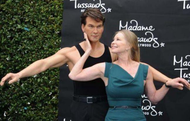 Statut de cire de Patrick Swayze, avec sa veuve Lisa Swayze devant. Octobre 2011