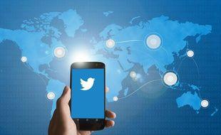 Illustration de Twitter. Certrains malades utilisent les réseaux sociaux pour partager leur histoire, s'entraider et pousser des coups de gueule.