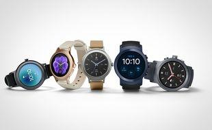 La LG Watch Style (gauche) et la Watch Sport sont les premiers modèles de montres connectées équipées d'Android Wear 2.0.