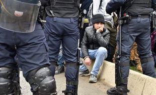 Forces de police à Calais (illustration) / AFP PHOTO / PHILIPPE HUGUEN