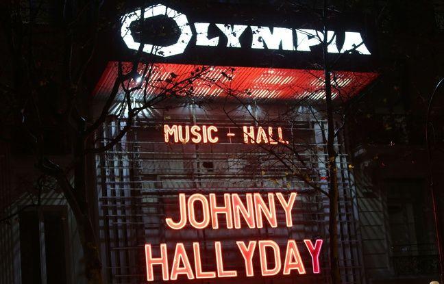La façade de L'Olympia a rendu hommage à Johnny Hallyday, dans la nuit du 8 au 9 décembre 2017.
