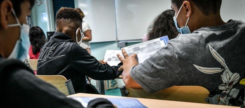 Des élèves dans un collèges, le 2 septembre 2021.
