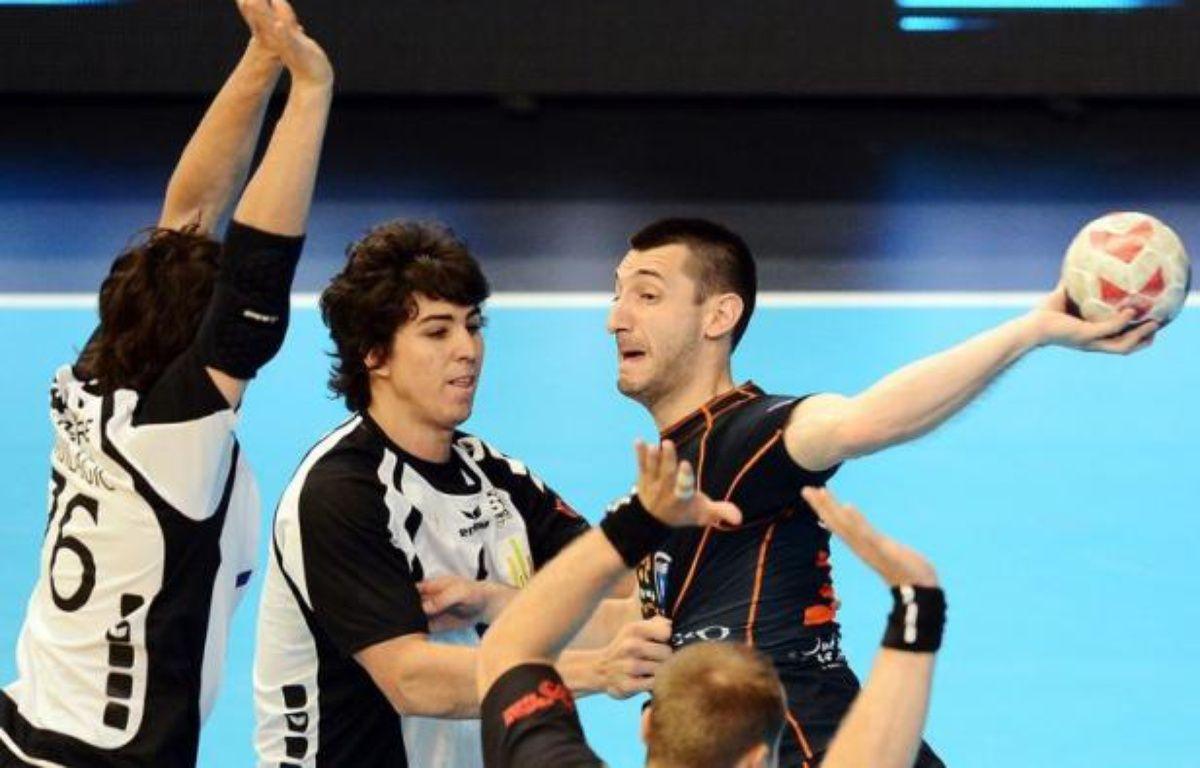 Montpellier a commencé le Championnat de France par un succès écrasant 50 à 24 à Billère lors d'un match maîtrisé de bout en bout jeudi soir au Palais des sports de Pau. – Franck Fife afp.com
