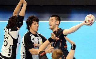 Montpellier a commencé le Championnat de France par un succès écrasant 50 à 24 à Billère lors d'un match maîtrisé de bout en bout jeudi soir au Palais des sports de Pau.