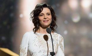 L'actrice française Juliette Binoche lors de la 41e cérémonie des César à Paris le 26 février 2016