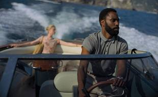 John David Washington dans Tenet.