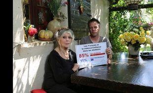 Rémi Gaillard en compagnie de Brigitte Bardot.