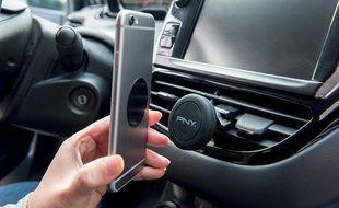 Pour une poignée d'euros, le Magnet Car Vent Mount de PNY constitue un support fiable pour tous les smartphones.
