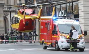 Des hélicoptères ont été déployés pour évacuer les blessés après l'explosion rue de Trévise