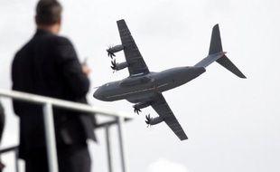 Deux géants industriels européens, EADS et BAE Systems, progressent vers une fusion qui ferait d'eux le leader mondial de l'aéronautique et la défense, et la multinationale la plus ambitieuse et la plus complexe jamais tentée.