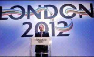 Le gouvernement britannique a reconnu mardi que le parc olympique, dans l'est de Londres, coûterait environ 1,3 milliard d'euros de plus que prévu, renforçant l'inquiétude sur une explosion du budget des Jeux de 2012.