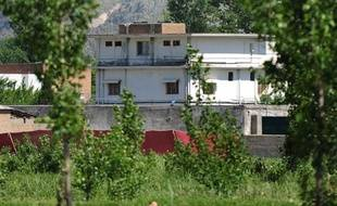 Photographie de la maison dans laquelle se cachait Oussama ben Laden, prise après l'assaut du commando américain, le 2 mai 2011 à Abbottabad, au Pakistan.